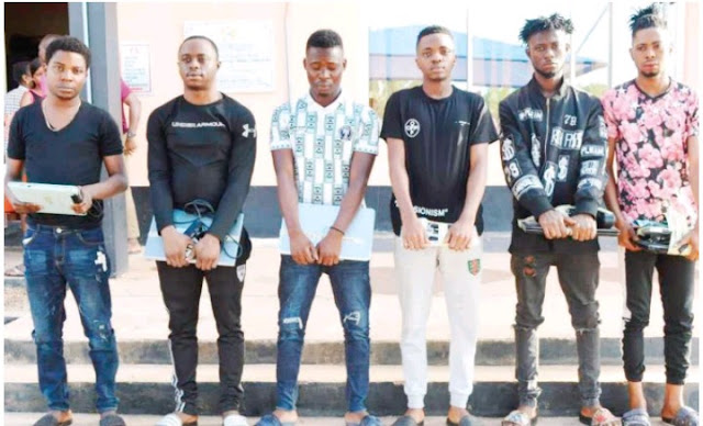 EFCC nabs six Yahoo Boys in Akobo, Ibadan, recovers five cars, laptops, fake documents