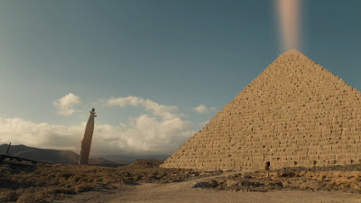 Doctor Who 10x07 - The Pyramid at the End of the World
