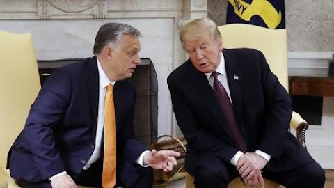 Varsóba hívnák az amerikai elnököt a visegrádi négyek