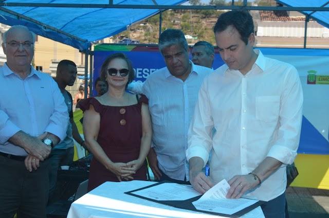 Paulo Câmara anuncia ações no Distrito Industrial de Limoeiro