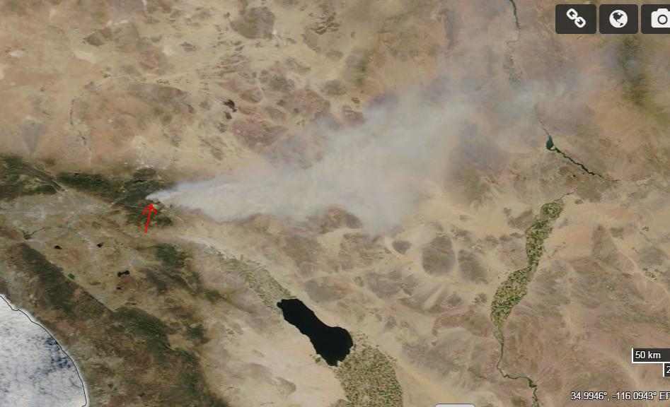 宇宙への旅立ち: NASA Worldviewで見たカルフォルニア州の巨大山火事
