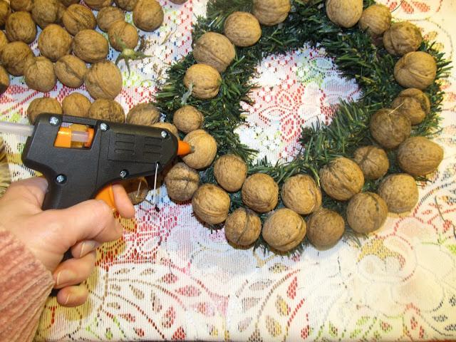 DIY. Cztery bożonarodzeniowe dekoracje last minute- proste i efektowne.