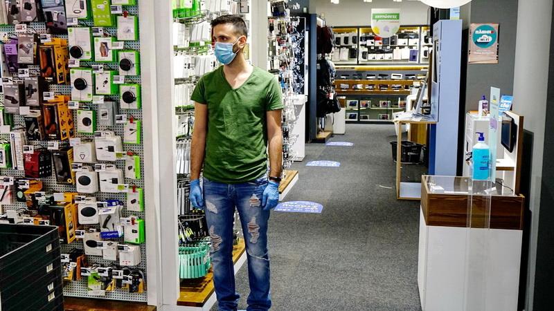 Ποιες επιχειρήσεις επαναλειτουργούν από τη Δευτέρα - Οι κανόνες και οδηγίες για τη χρήση μάσκας