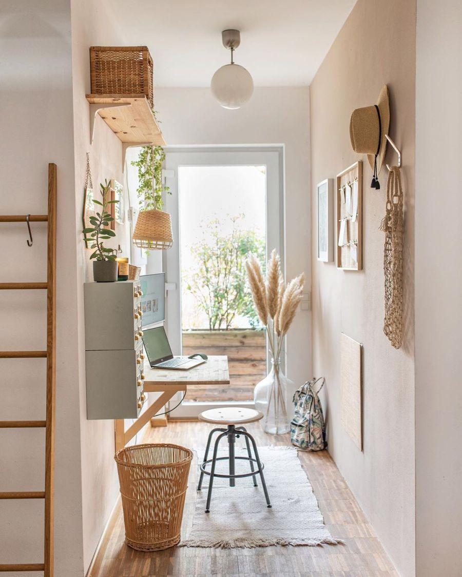 Wiosenne kolory w klimatycznym mieszkanku, wystrój wnętrz, wnętrza, urządzanie domu, dekoracje wnętrz, aranżacja wnętrz, inspiracje wnętrz,interior design , dom i wnętrze, aranżacja mieszkania, modne wnętrza, home decor, styl skandynawski, scandi, scandinavian style, miejsce do pracy, biurko, domowe biuro