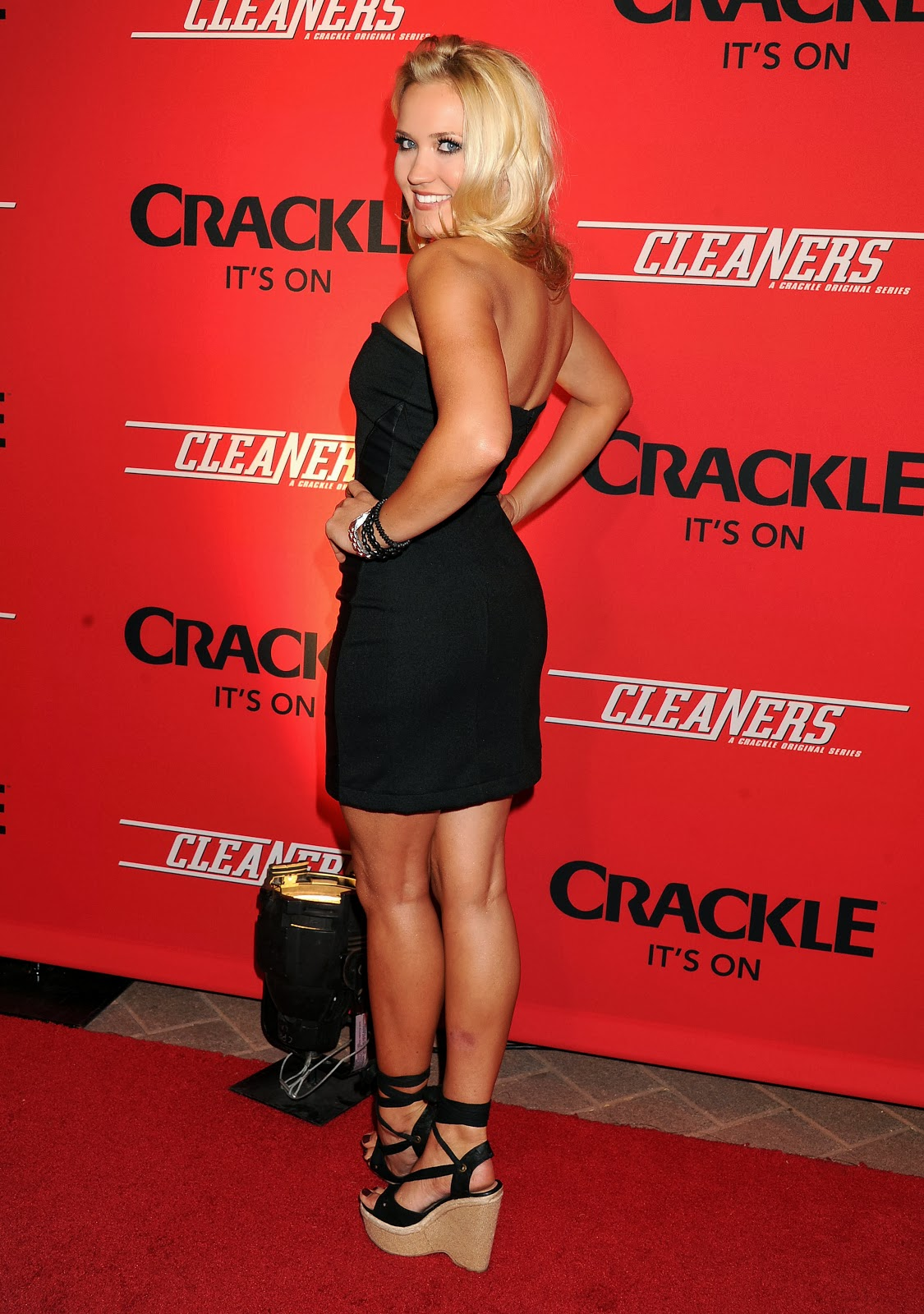 "Roller Schuhe Gymnastics And More!: Emily Osment - Crackle's ""cleaners"