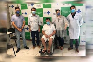 Prefeito de Soledade recebe alta hospitalar após 22 dias internado em tratamento da covid-19