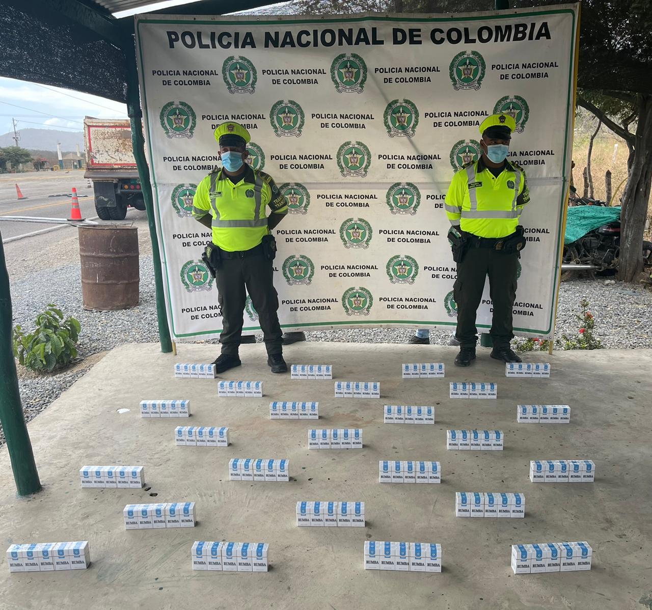 https://www.notasrosas.com/Capturan hombre por Fuga de Presos, incautan mercancía e inmovilizan vehículo por Orden Judicial