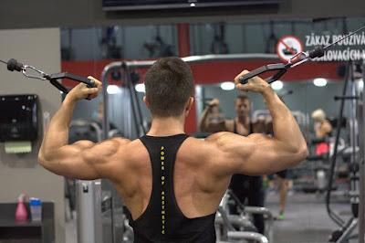 كيف تقوي عضلات الظهر
