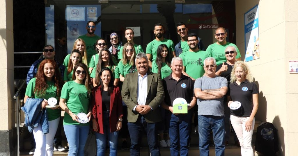 Puerto del Rosario recibe estudiantes de Líbano, Egipto y Palestina que conviven en un intercambio con jóvenes de Fuerteventura con la observación astronómica como eje de las actividades - Fuerteventura Digital