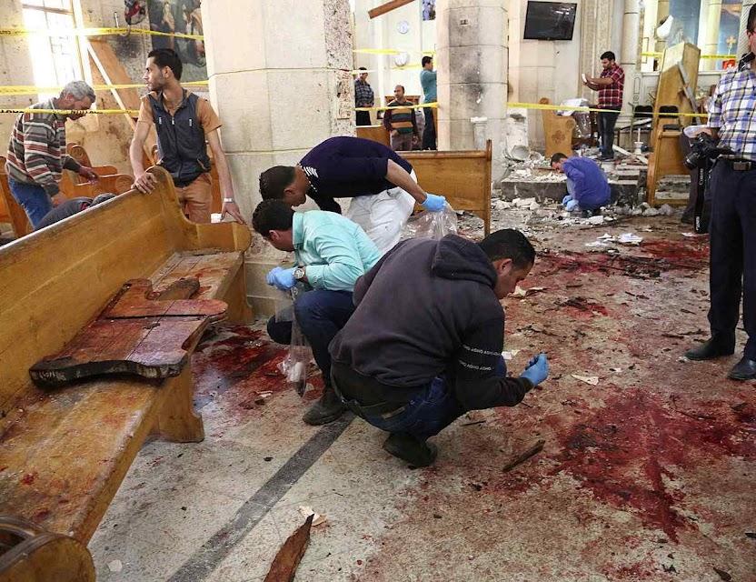 Chão da igreja copa de São Jorge encharcado de sangue cristão, Tant, Egito. Para eles não há Sínodo, escreve Meotti