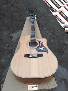 Gitar Akustik !2 String,Gitar Akustik Gibson,Jual Gitar Akustik Berkualitas,Pengrajin Gitar Akustik Terbaik,Pesan Gitar Akustik