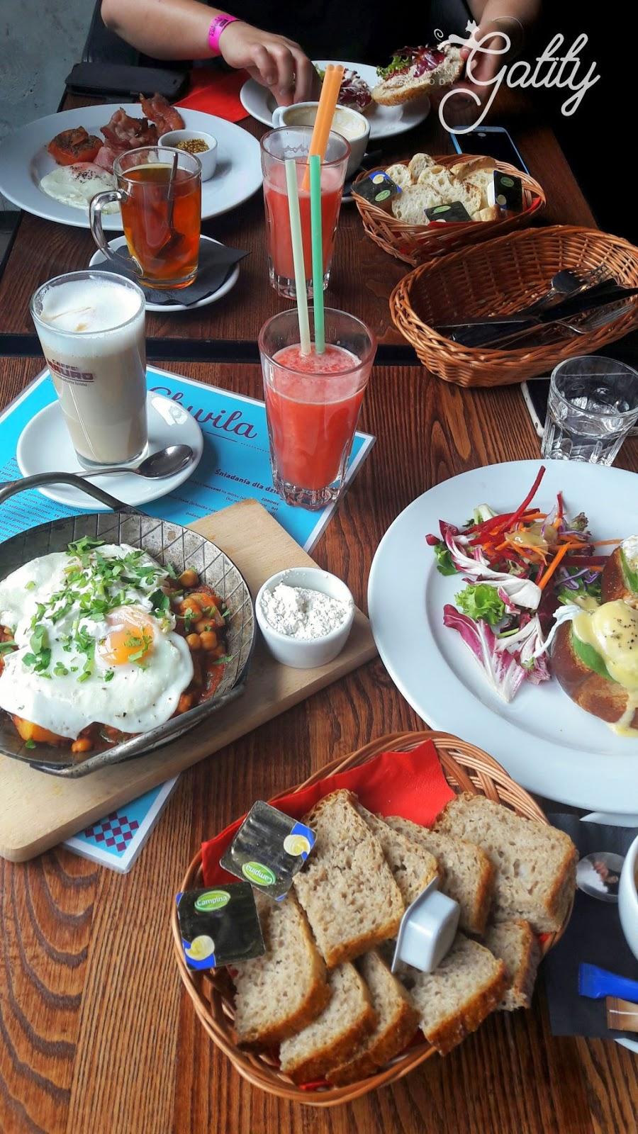sniadanie-w-restauracji