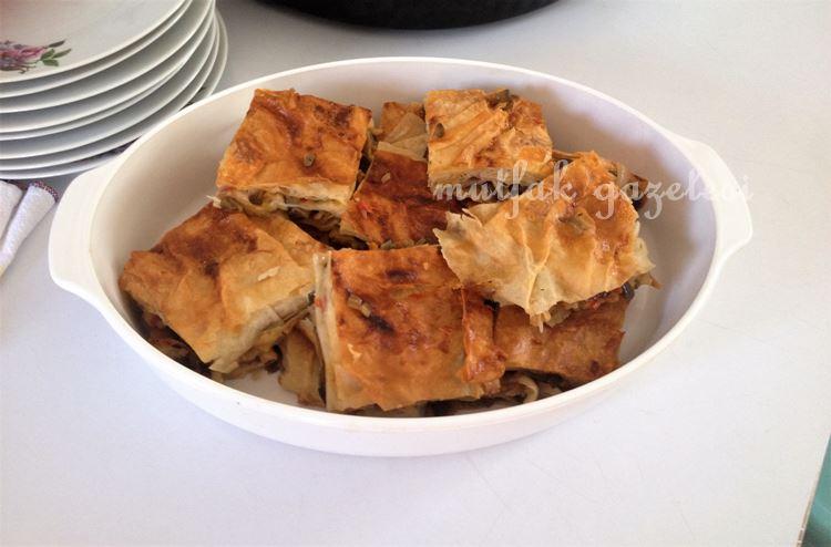 Dikenli Kabak (Chayotte) Böreği;