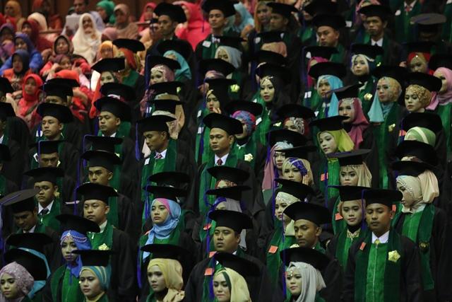 Unsyiah Wisudakan 1.860 Lulusan, 348 Orang Predikat Cumlaude