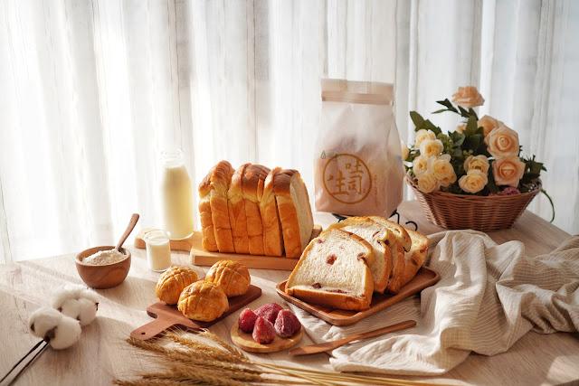 台南永康區美食【傳承烘焙坊】餐點介紹-生吐司、波蘿蛋黃酥
