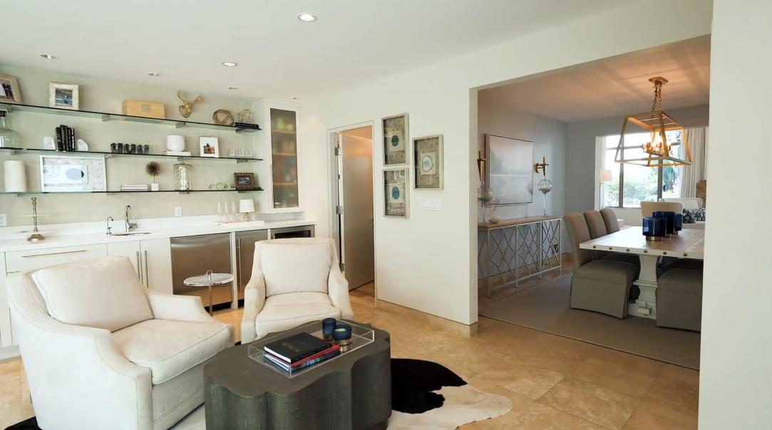 33 Photos vs. 3421 Manhattan Ave, Manhattan Beach, CA Interior Design Tour