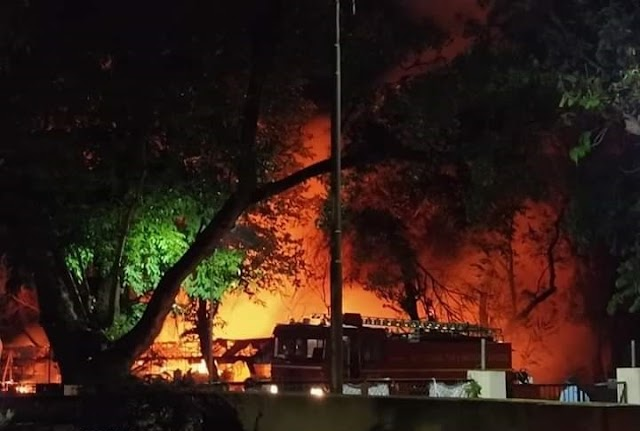 Fire Broke Out In The IIT Kharagpur Tech Market