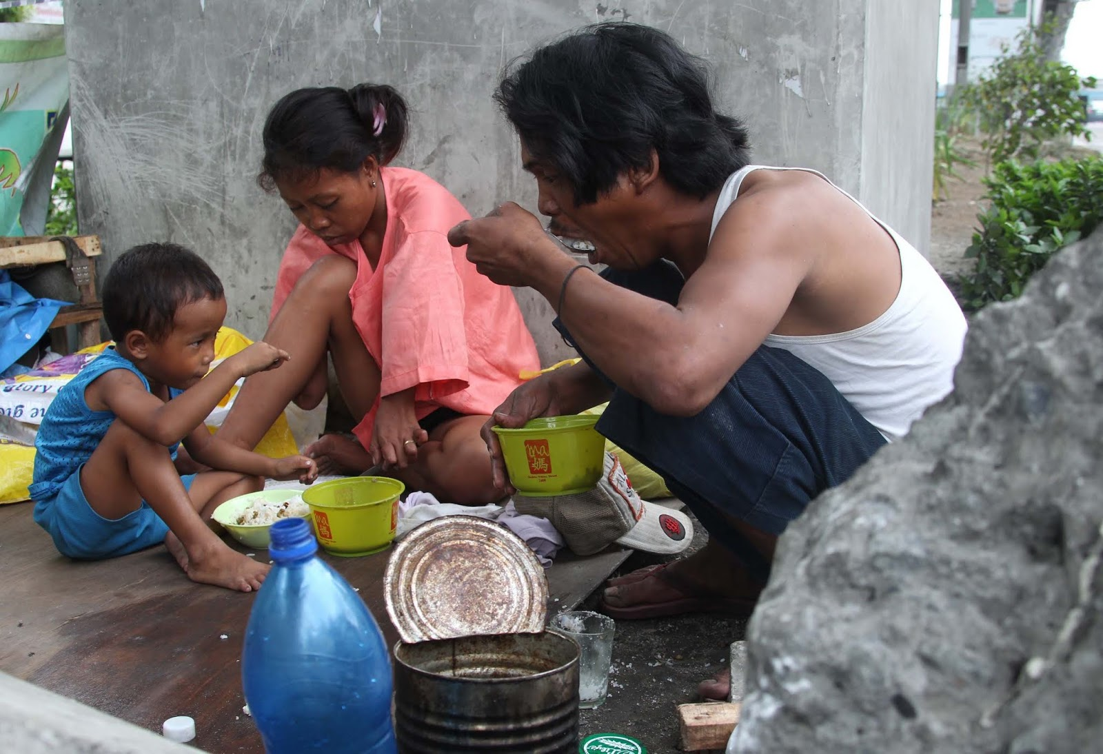 POLITICAL TIDBITS: Scanning face of PH poverty at our dzRH