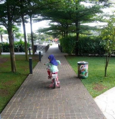 cara mengajari anak sepeda roda dua