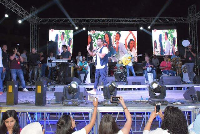 ختامه مسك مع رامي صبري في حفل الـMSA والجمهور يرفع شعار كامل العدد (صور)