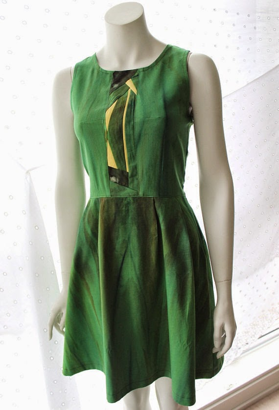 http://prf.hn/click/camref:10l3tr/pubref:KooCoo/destination:https%3A%2F%2Fwww.etsy.com%2Fca%2Flisting%2F184687069%2Fooak-ice-dyed-green-dress