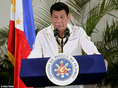 """Who Is He To Confront Me?"" Philippines' President Blasts Obama Over His War On Drugs"