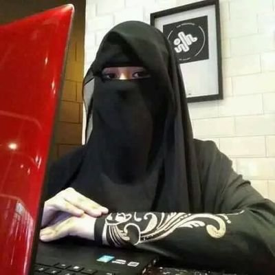 أرملة سعودية مقيمة بجده أبحث عن شاريك الحياة رومانسي