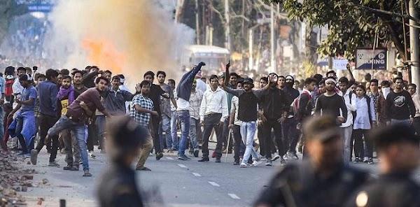 Bentrokan Polisi dan Massa di India, 5 Orang Tewas