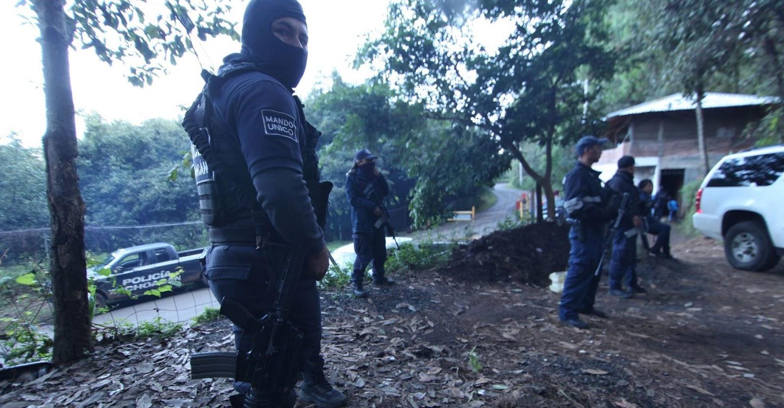 Encuentran Narcofosa con 12 cadáveres en Comanja, Michoacán