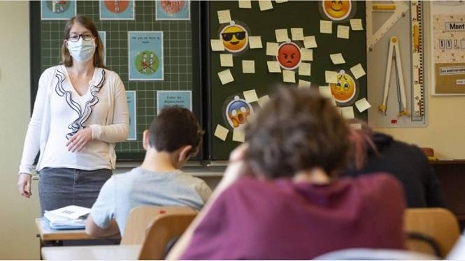 Alumnos de primer año de secundaria son acompañados con estrategias educativas