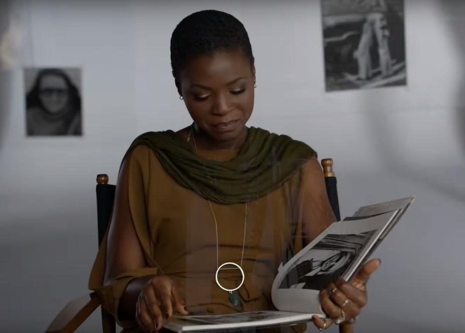 """Funmilola Fagbamila em cena de """"Feministas: o que elas estavam pensando?"""""""