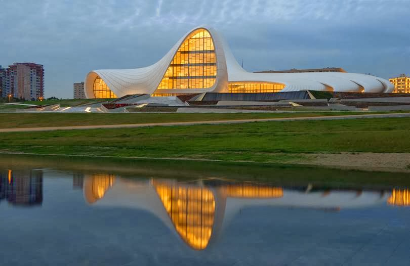 The Heydar Aliyev Center in Baku | Azerbaijan