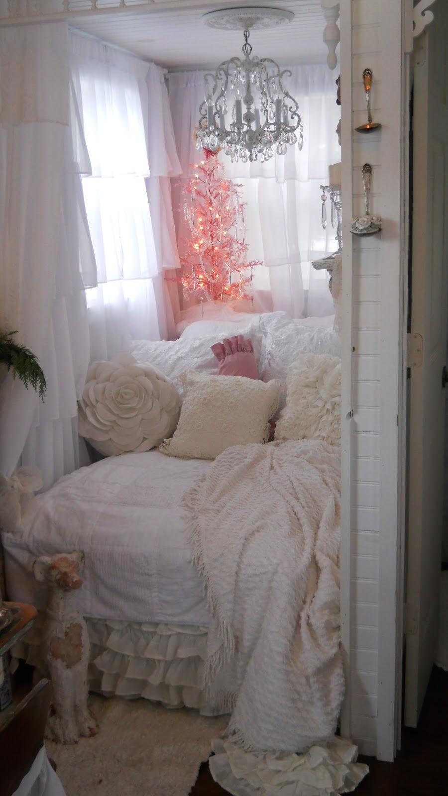 Shabby Chic Tiny Retreat My Tiny House Christmas 2012
