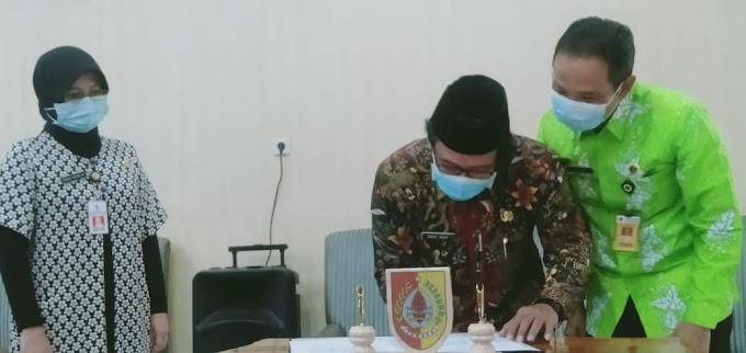 Penyerahaan Sertikat Aset Pemkab ,Plt Bupati BPN Jember ,serah Terima.