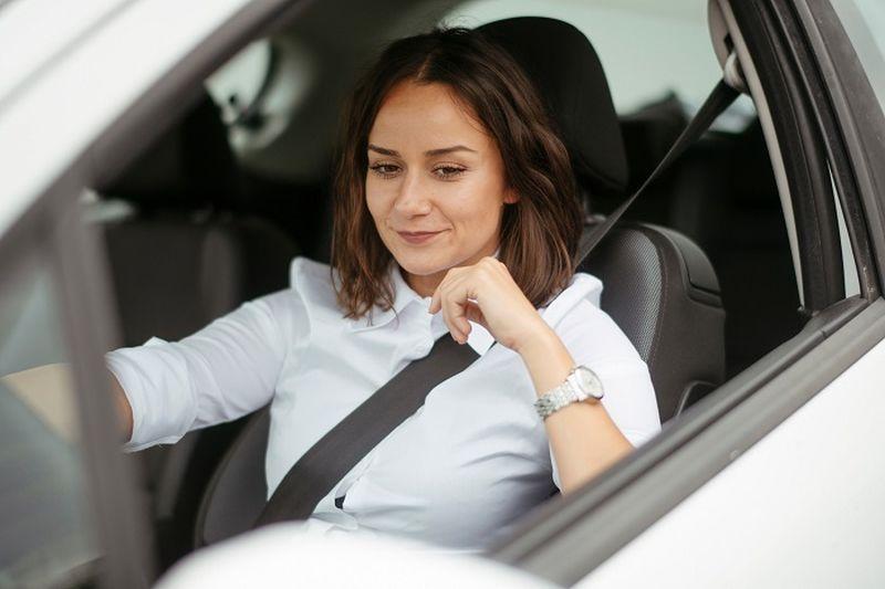 ¿Qué buscan las mujeres al momento de comprar un auto?