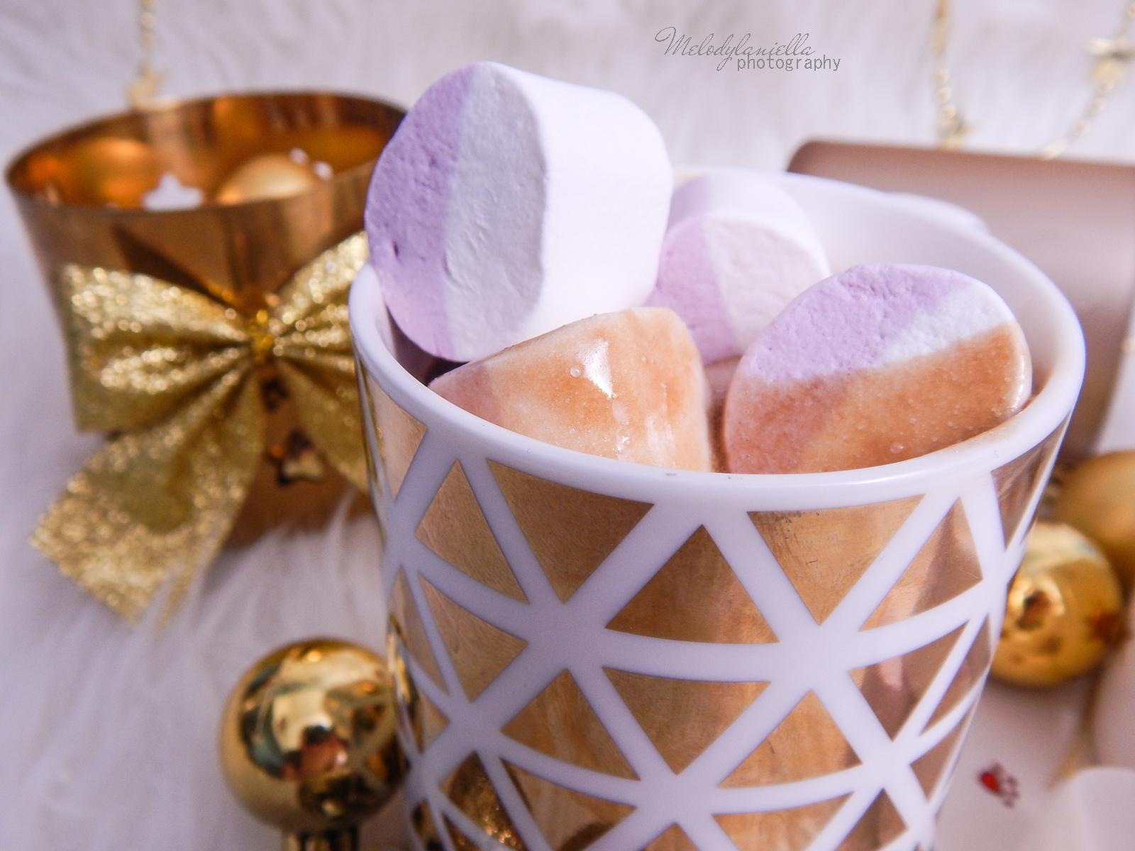 18  przepis na domową gorącą czekoladę świąteczne zimowe napoje ciekawe slodycze na Boże Narodzenie karnawal Sylwestra imprezy pianki jojo melodylaniella świąteczne przekąski