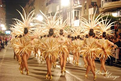 Baile y bello traje de las fiestas de Carnaval en Aguilas 2019