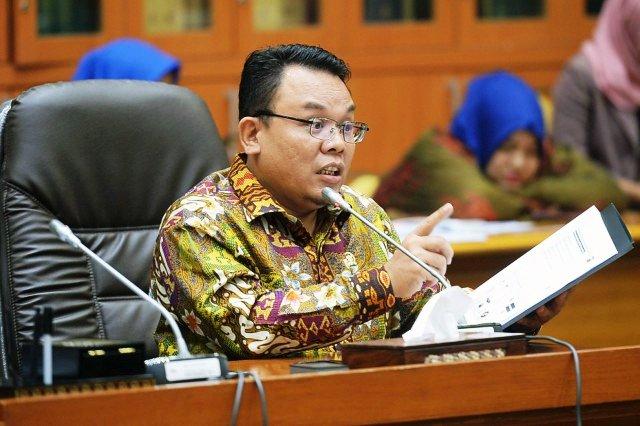 TKA Cina Terus Berdatangan Masuk Indonesia, Legislator: Saya Yakin Pekerja WNI Bisa Kerjakan, Kenapa Harus Pakai TKA?