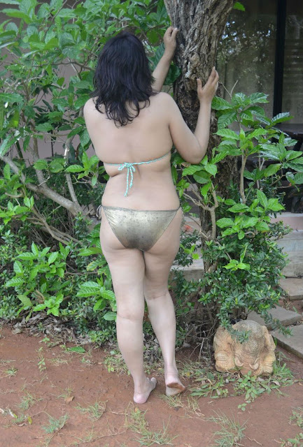 hot sexy office aunty,aunty hot figure in bikni,desi aunty ki gori gaand,sexy beautiful aunty ki gaand,hot aunty gaand in pants