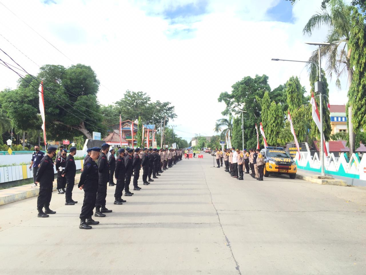 Kapolres Pimpin Apel Gelar Pasukan, Cek Personil Dan Peralatan Dalam Pengamanan Rapat Pleno