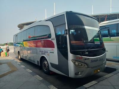 Foto Bus Sinar Jaya di Terminal 17RB