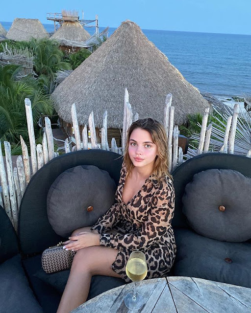 Natasha Udovenko Photos