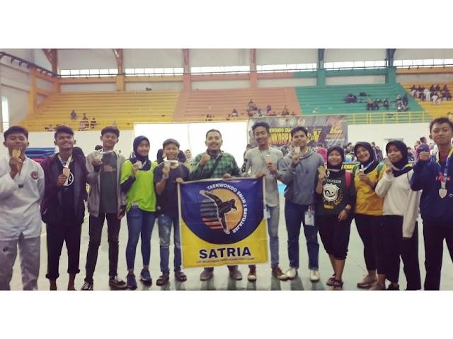 SMAN 1 Batujajar Raih 11 Medali di Kejuaraan Taekwondo Se-Jawa Barat