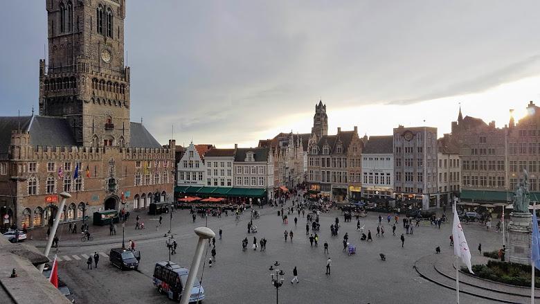 從陽台可以俯視整個市集廣場