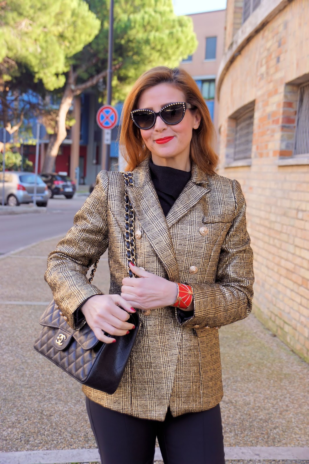 golden outfit with a golden blazer and my Les Georgettes by Altesse cuff bracelet on Fashion and Cookies fashion blog, fashion blogger