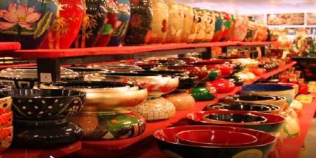 Berburu Aneka Keramik di Pasar Sitimang Jambi