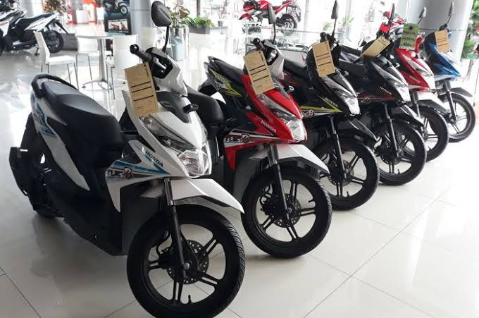 Honda Beat Simbol 'Kemiskinan' dan Mitsubishi Tutup Pabrik Pajero