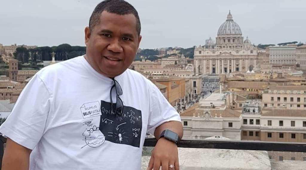 """Universitas Kepausan dan Lulusan """"S3 Vatikan"""""""