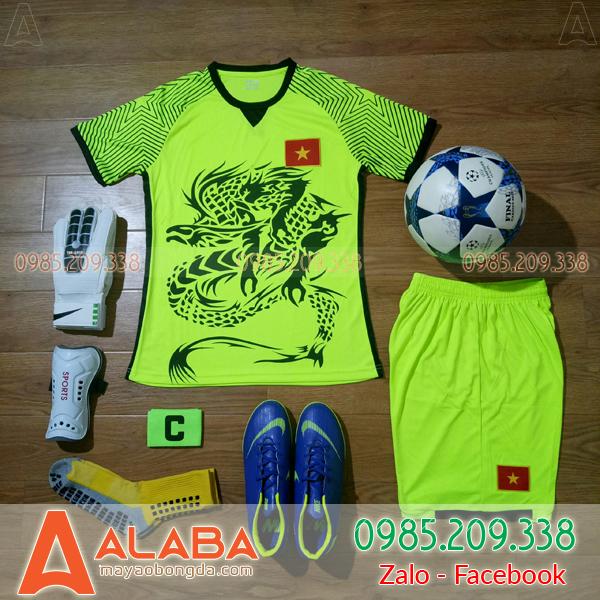 Áo đội tuyển Việt Nam màu chuối