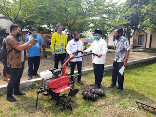 Mekanisasi pertanian libat kan Santri dengan program SANTANI